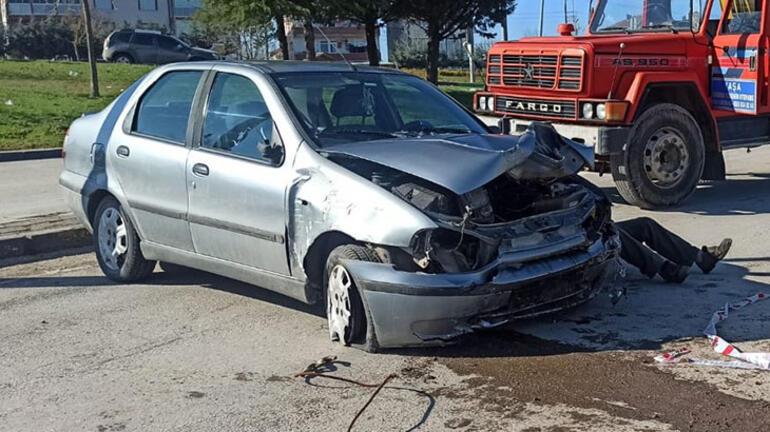 Akılalmaz kaza Otomobil dik durdu